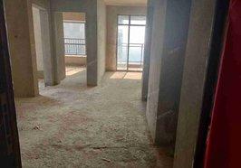 外滩毛坯房88平米 2室2厅1卫1阳台 证件满两年