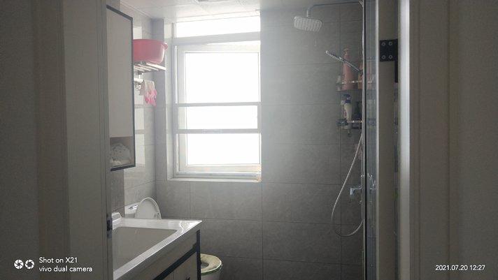 塞納河畔全新裝修,裝修才4個月3室2廳105平,現一口價58萬,看房熱線15272658720
