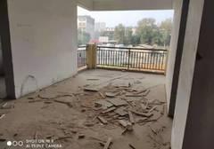 木田畈学区房三室两厅毛坯房136平米出售,售价43万.