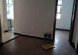 国贸附近四室两厅出租,居家,办公都可以,每月租金1200元。
