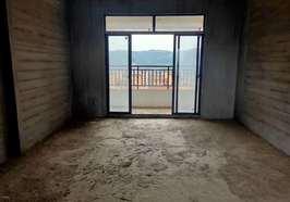 鹏程新都汇四室两厅毛坯房楼王诚意出售,南北通透户型,双阳台,售价63万。
