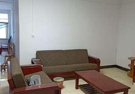 新区建材市场附近大两室两厅精装修出租,每月租金800元。